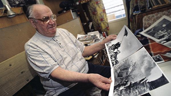 Евгений Ананьевич Халдей - военный фотокорреспондент, обладатель титула «Рыцарь ордена искусств и литературы». Один из самых известных его снимков - «Знамя Победы над Рейхстагом»
