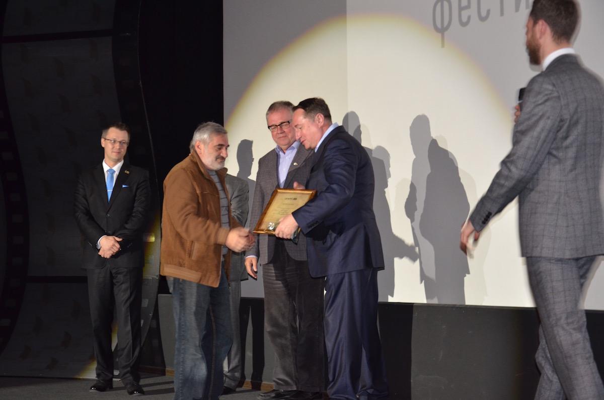 Приз за фильм «Последнее желание» получает Армен Хачатрян, Армения