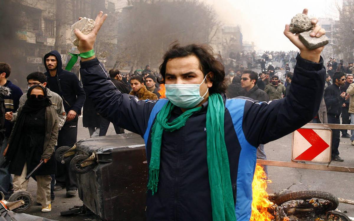 Иран. Бацилла «цветной» революции