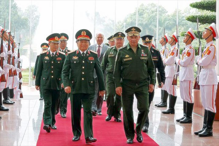 Сергей Шойгу и Нго Суан Лить (министр обороны Вьетнама)