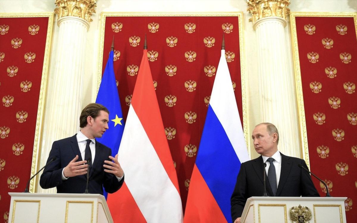Первый зарубежный визит новый канцлер Австрии совершил в Москву