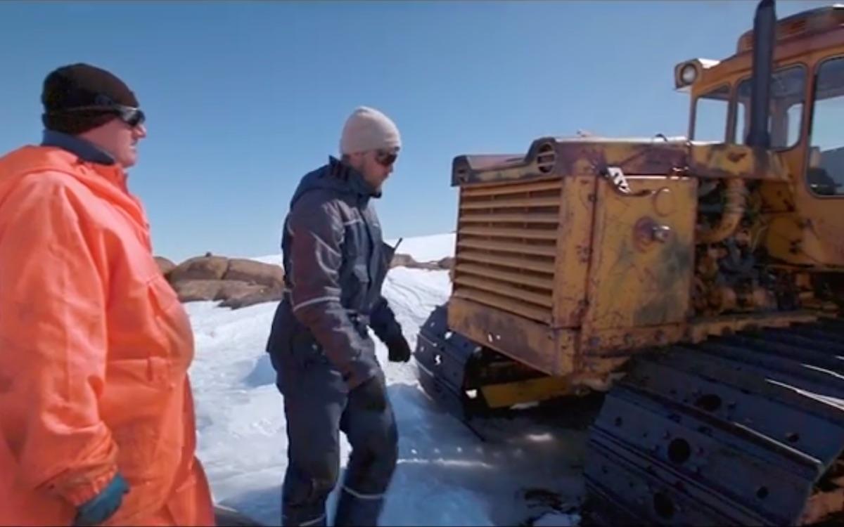 Кадр из фильма «Антарктида. На край света»