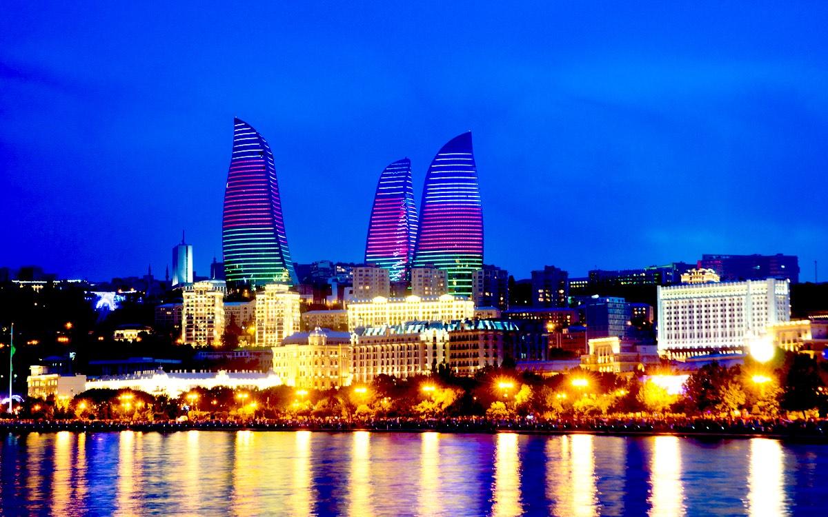 Вечерний Баку