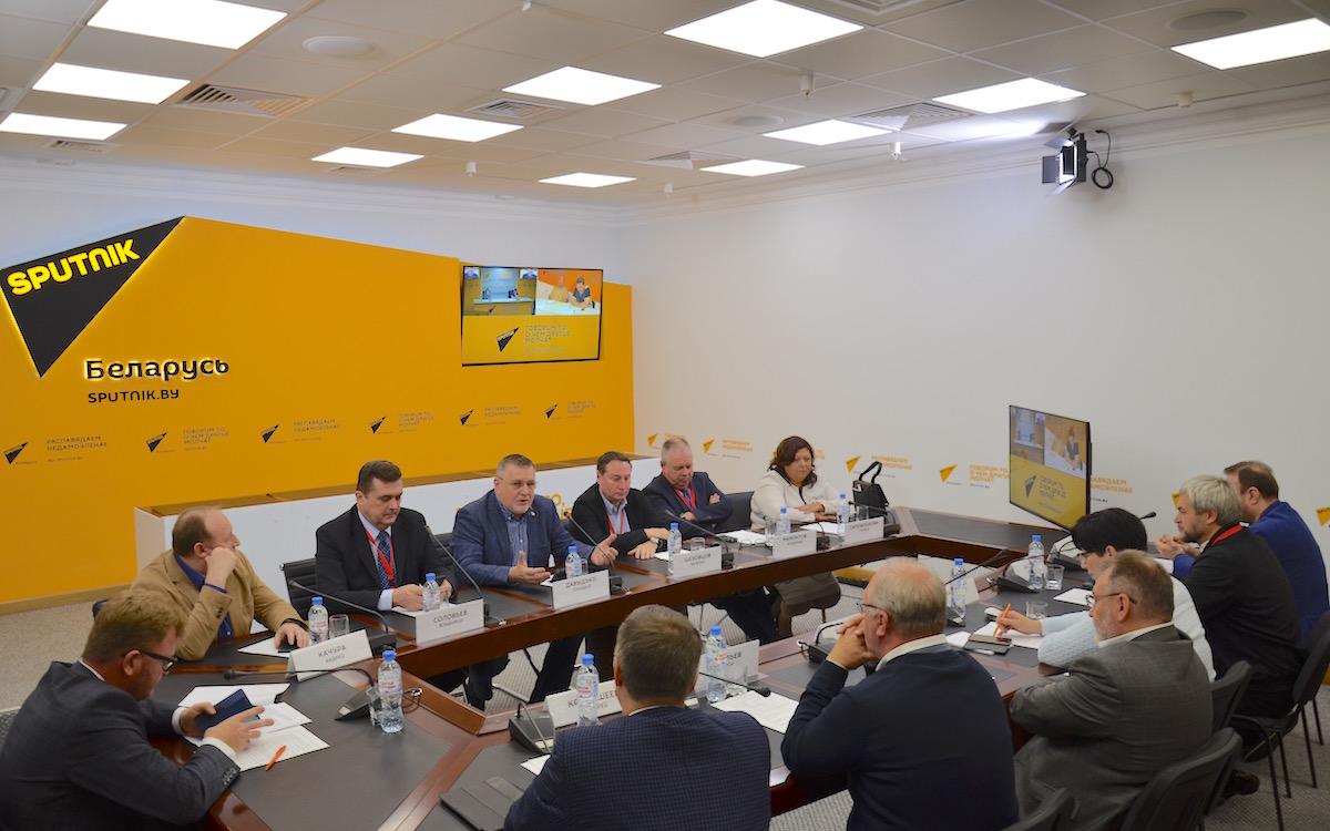 Круглый стол «Документальное кино в эпоху «постправды». Минск 2018