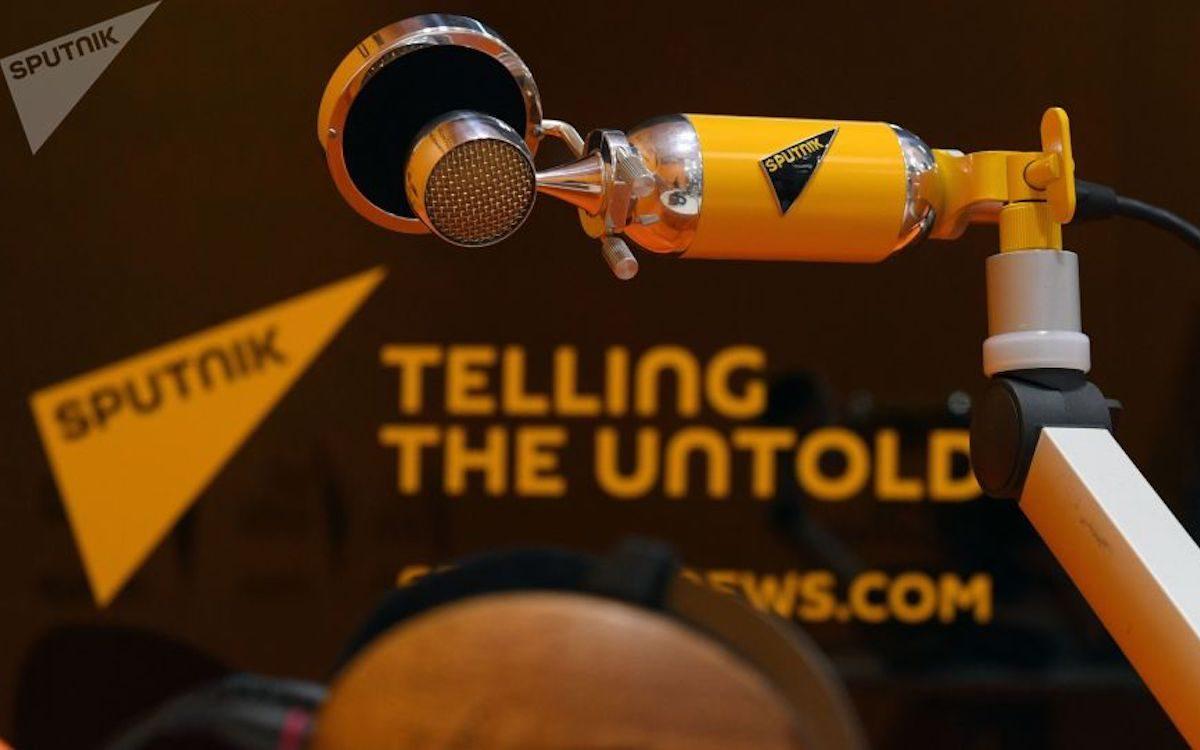 Цензура в действии: Facebook начал удалять страницы Sputnik