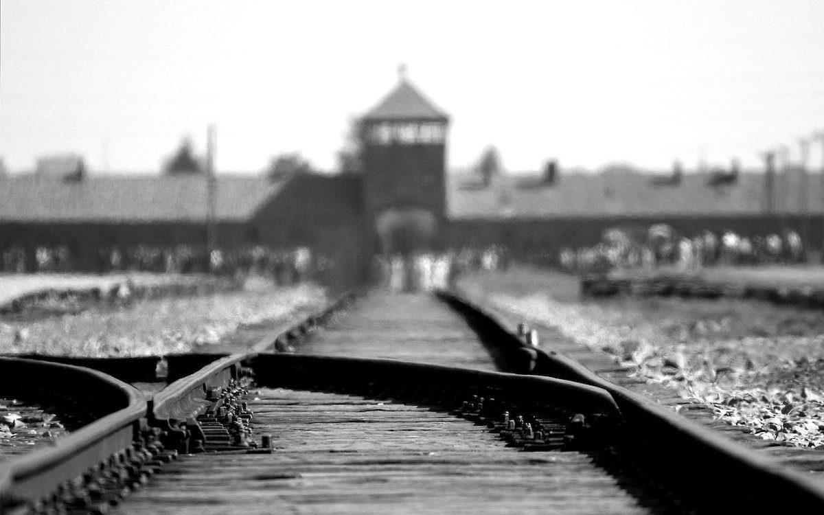 От Освенцима — до «электронного концлагеря»